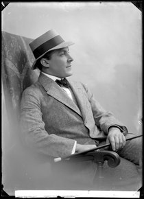 Adolf Niska, actor, portrait 1916 - SMV - GN024.tif