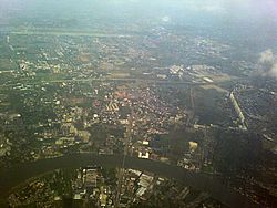 Aerial view of Pak Kret, May 2010.jpg