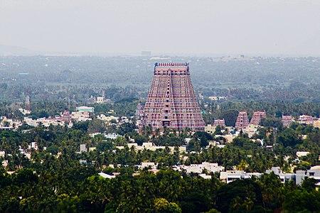 Aerial view of Sri Rangam temple near Tiruchirapalli 1.jpg