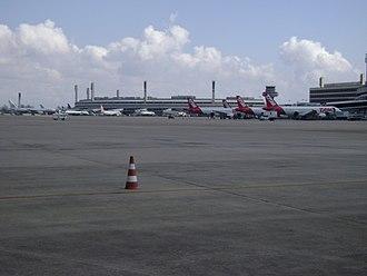 Rio de Janeiro–Galeão International Airport - Apron view of Terminal 2