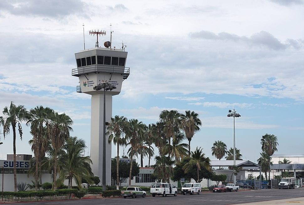 Aerpuerto de La Paz, BCS, 201710