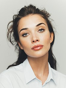 Amy Jackson headshot (cropped).jpg