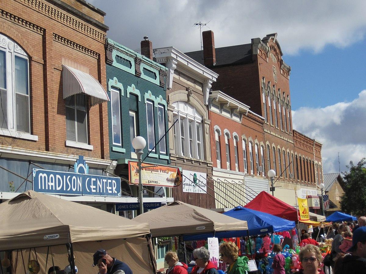 Iowa City  Business Directory