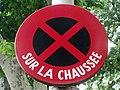 Ancien panneau arrêt interdit (Salon-de-Provence) 2013-05-28.JPG