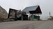 Ancien poste frontière au col du Pourtalet (côté espagnol).jpg