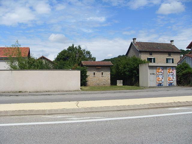 file ancienne gare de hilaire de brens d 233 toilettes 1 jpg wikimedia commons