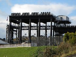 Anderton boat lift (1)