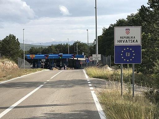 Aržano border crossing Croatia-Bosnia 4