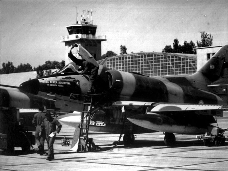 Argentine A-4C parked during Falklands War 1982.jpeg