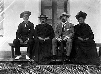 Tinomana Mereana Ariki - Pa Ariki, Makea Ariki, New Zealand MP Charles H. Mills and Tinomana Ariki (1903)