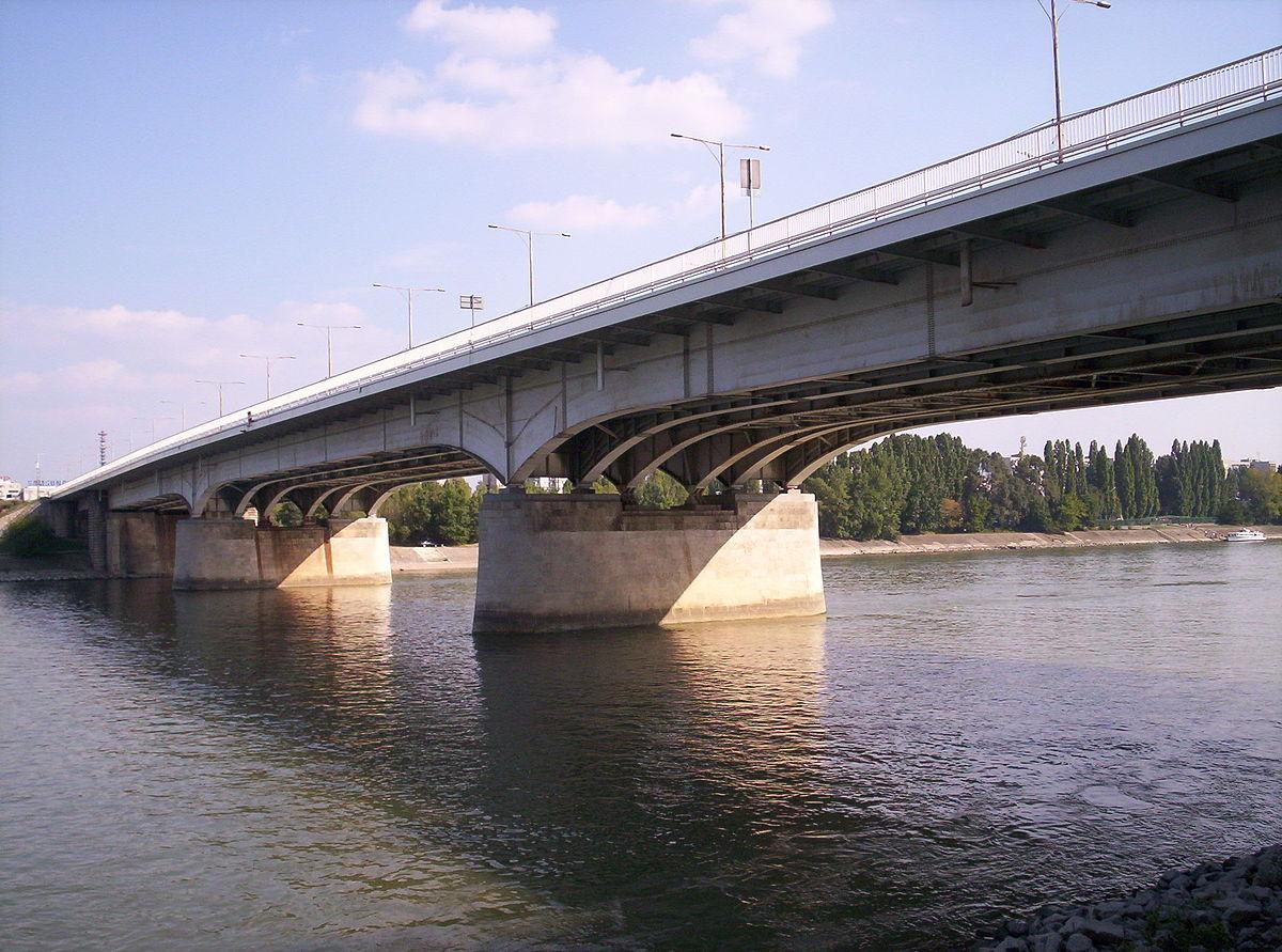 Árpád Bridge - Wikipedia