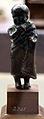 Arte romana, bambino con mantello.JPG