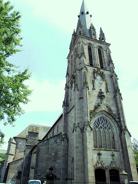 Villes et villages de charme du Cantal 450px-Aurillac_-_Eglise_Saint-G%C3%A9raud_-1