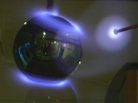 Aurora borealis in a lab dsc04517.jpg