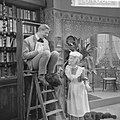 Avro televisie. Klucht 'Hotel het Paradijs' .Will van Selst en Marijke Morley, Bestanddeelnr 916-1062.jpg