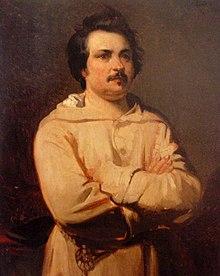 Malt portrett av en mustasjert mann med armene i kors iført en hvit morgenkåpe