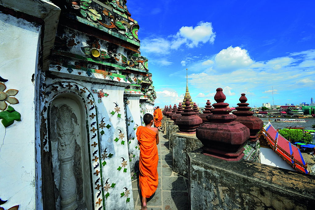 Temple de Wat Arun à Bangkok - Photo de Mr.Peerapong Prasutr