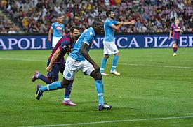 Koulibaly en un amistoso entre Napoli y Barcelona dfd89dba7e544