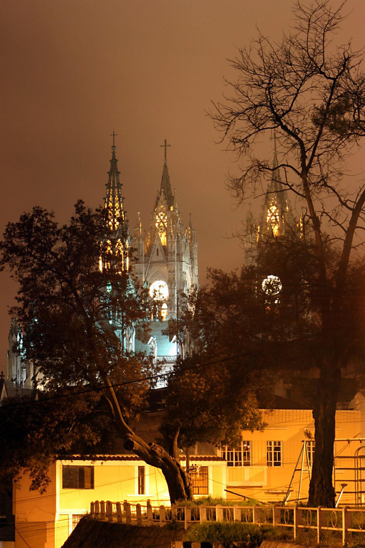 Basílica de Quito.JPG