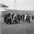 Batterijfotografen in het stadion Holland-Belgie, Bestanddeelnr 901-7539.jpg