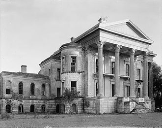 Belle Grove Plantation (Iberville Parish, Louisiana) - Front (River facade) of Belle Grove in 1938