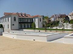 Biblioteca de Alcobaça (traseiras).jpg
