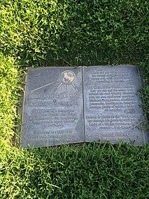 Bob Kane Grave.JPG