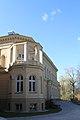 Bok pałacu Myśliwskiego przylegającego do pałacu Nowego po renowacji.jpg