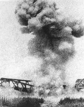 Longhai railway - Longhai railway bombarded during World War II.