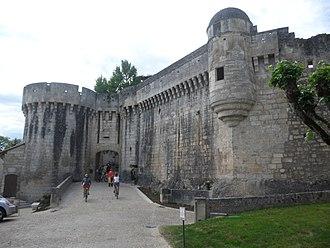 John Hastings, 2nd Earl of Pembroke - Bourdeilles Castle; captured by Pembroke soon after his arrival in France.