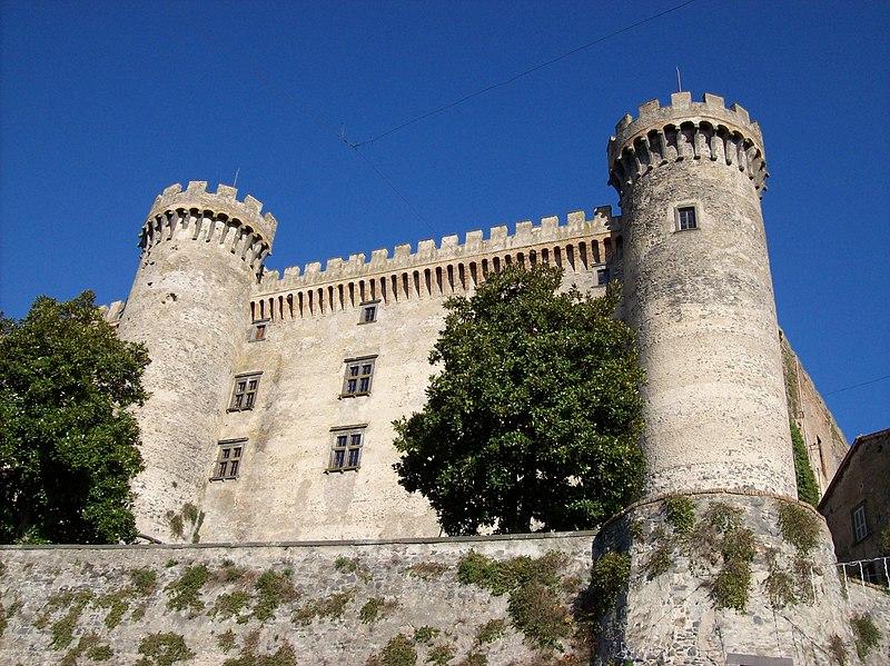 File:Bracciano 20110812 — Castello Orsini-Odescalchi.jpg