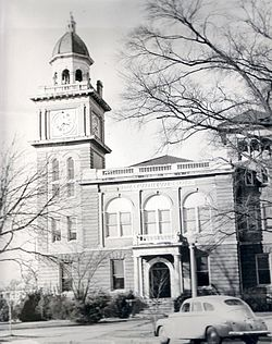 Bradley County Courthouse and Clerk's Office in downtown Warren