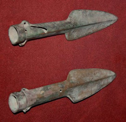 Bronze spearheads, Shang Dynasty