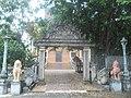 Budistički hram u Kampotu.jpg