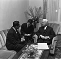Bundesarchiv B 145 Bild-F024013-0006, Bonn, Bundespräsident mit Politiker aus Brasilien.jpg