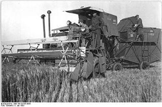 S-4 Stalinets Self-propelled combine harvester
