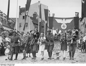 Aš - Wehrmacht soldiers parading in Aš, 1938