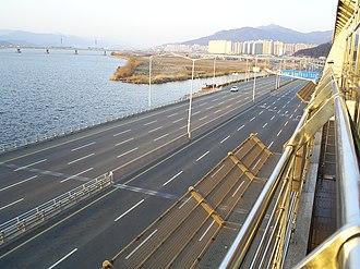 Buk District, Busan - Gangbyeon Expressway