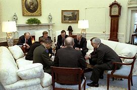 oval office. george h w bush discusses operation desert storm with officials 1991 oval office o