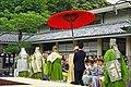 Cérémonie bouddhiste devant le Grand Bouddha du Kotoku-in (Kamakura, Japon) (42767903862).jpg