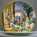 C.sf., urbino, cerchia di nicola da urbino, piatto con muzio scevola, 1533-1540.JPG