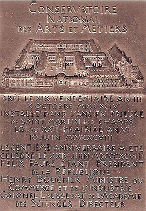 Musée des Arts et Métiers - Medal of the Conservatoire National des Arts et Métiers (Paris).