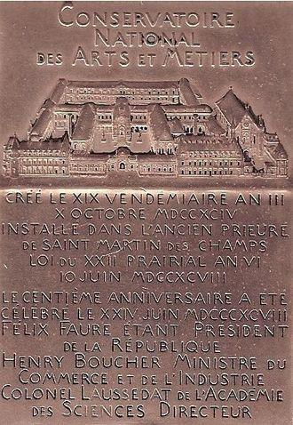 Conservatoire national des arts et métiers - Medal of the Conservatoire National des Arts et Métiers.