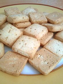 Une assiette de canistrelli aux grains d'anis
