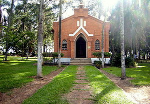 American Brazilians - The chapel of Santa Bárbara d'Oeste