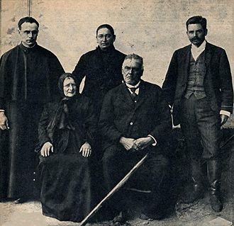 Pedro Pablo Caro - Caro family in 1906. In front: his father José María and his mother Rita; in the back, his siblings José María, Rita, and himself.