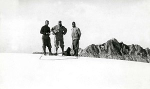 Anton Colijn - Anton Colijn, Frits Wissel and Jean Jacques Dozy during the Carstensz expedition (1936)