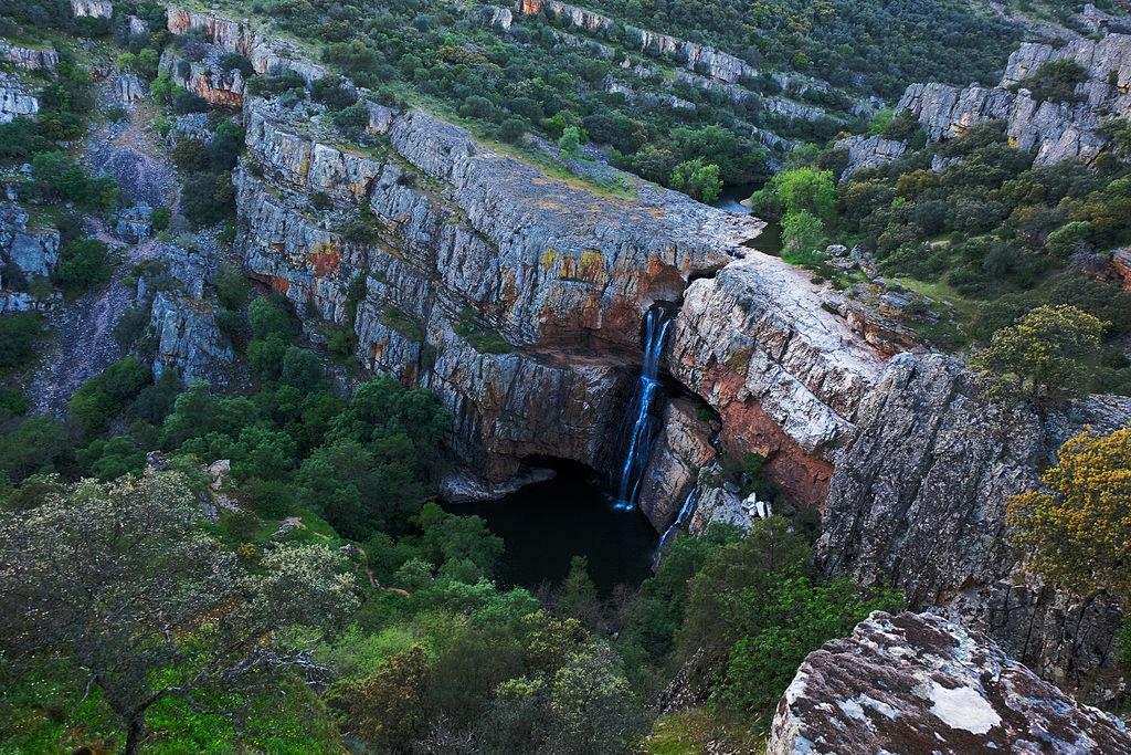 Cascada de la Cimbarra. Aldeaquemada