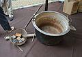 Cassa i caldera per a l'elaboració de la pansa, Gata de Gorgos.JPG