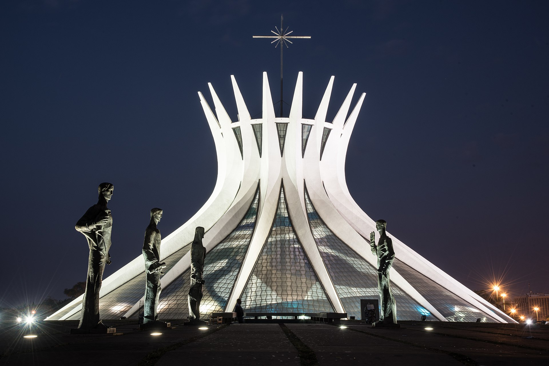 Catedral1 Rodrigo Marfan.jpg